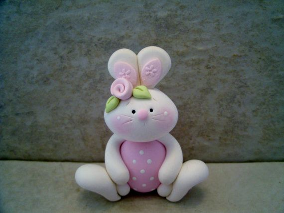 Easter Egg Bunny Figurine von countrycupboardclay auf Etsy