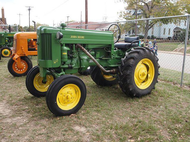 Old John Deere Tractors : Best antique john deere tractors images on pinterest