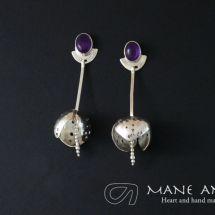Mane Antu Joyería. Piezas única hecha a mano. Colección Hojas. Aretes en Plata 950 y Amatista.