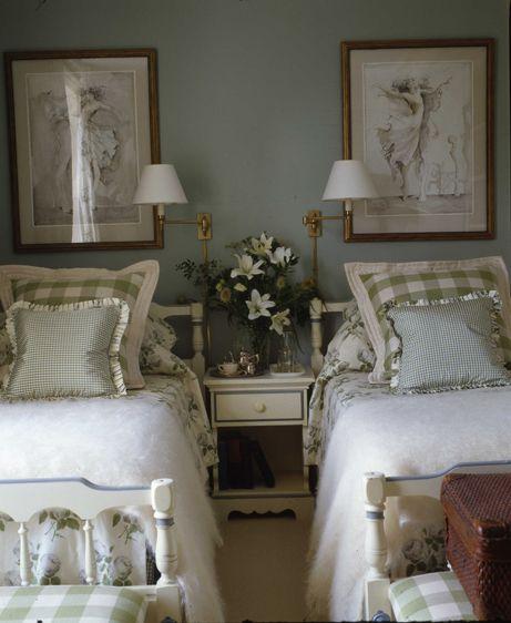 Cosy country bedroom | Joanna Trading - Portfolio | www.joannatrading co.uk #countrybedroom #countryretreat