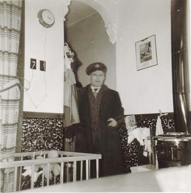 my dad in Ville Emard  apt,he was taxi driver for diamond.