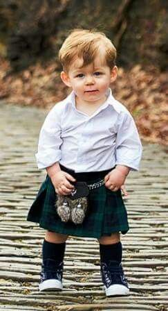 Can't get enough of wee men in kilts at the moment...super-duper cute!!! K