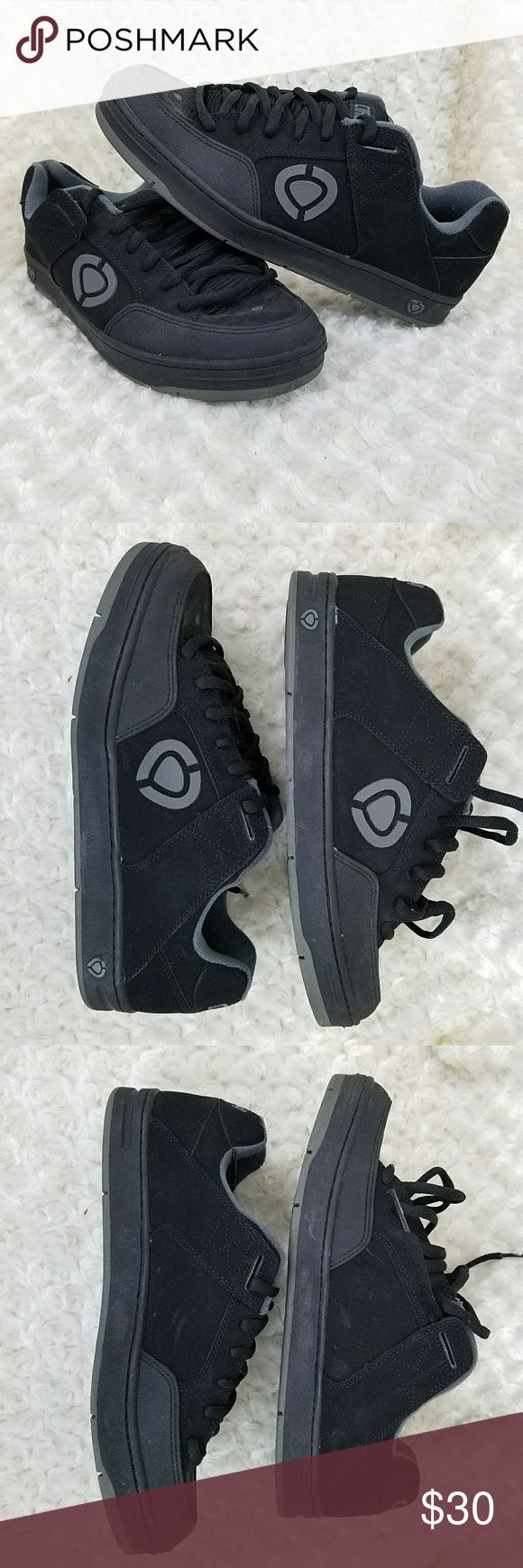 EUC Circa Skate Shoes Sz 14 Black and grey Men's Circa Skate Shoes in Sz 14M. Style CX205. The tongue is very padded and there is very very little wear. Worn once for a short time. Laces, suede and sole all in excellent condition. Shoes Sneakers