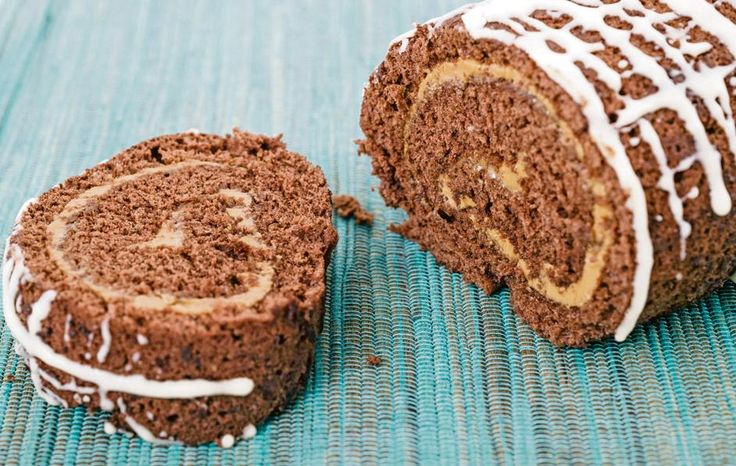 Resep | Sjokolade-rolkoek met karamelvulsel (Karla Janse van Vuuren)