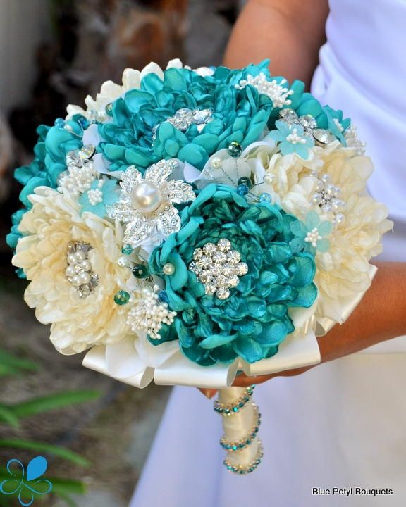 Sand & Sea Dahlia #wedding #bouquet... can we make this in pink and white or pink and red?