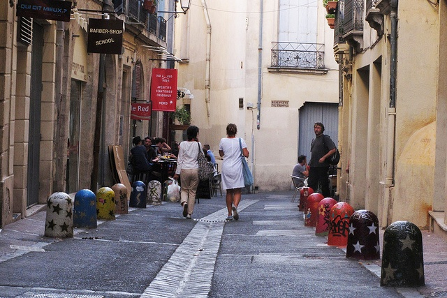 Street France-Montpellier by katythiers, via Flickr