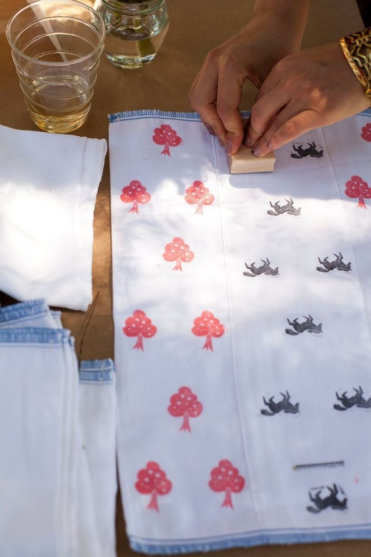 Exceptional ***stamping Burp Cloths For A Baby Shower Activity. Could Use The Same