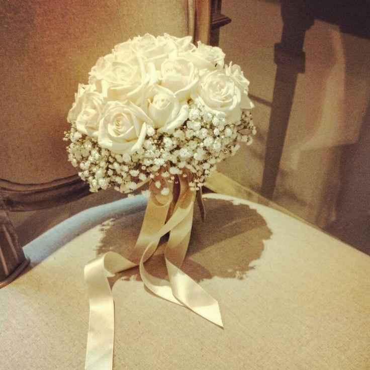 Bouquet sposa con rosa vendela e gypsophila