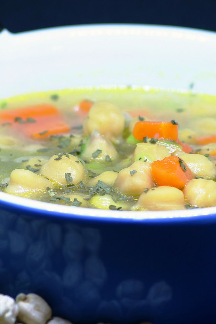 This high-fibre soup makes for a satisfying midday meal. If you don't have chickpeas, white kidney beans are equally good in this recipe. Nutrition: 157 calories, 5 g protein and 560 mg sodium per serving.