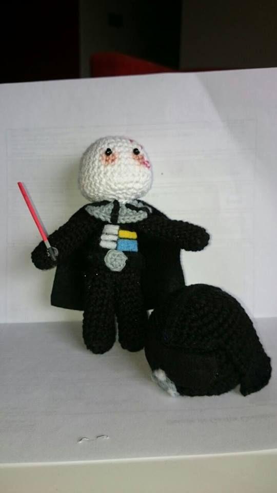 Darth Vader (casco en el piso), amigurumi