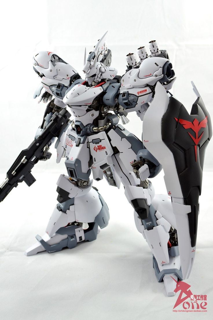 GMG MSN-04 Sazabi - Painted Build w/ LED   Modeled by Johmny         CLICK HERE TO VIEW FULL POST...