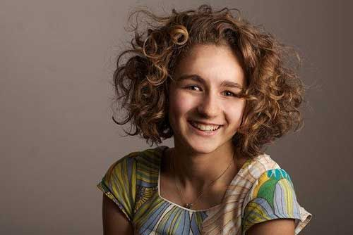 Short Haircuts for Girls with Curly Hair | http://www.short-haircut.com/short-haircuts-for-girls-with-curly-hair.html
