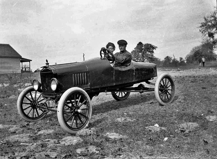 Navasota Tx 1920 Couple On Honeymoon Texas Pinterest