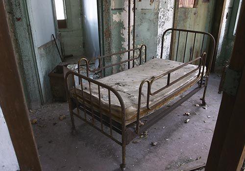 bed: United States, Bed, Abandonado Estados, Abandonate Places