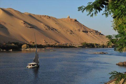Asswan, Egypt - Felucca off Kitchener's Island, Aswan, Nile photo by Chris Wells
