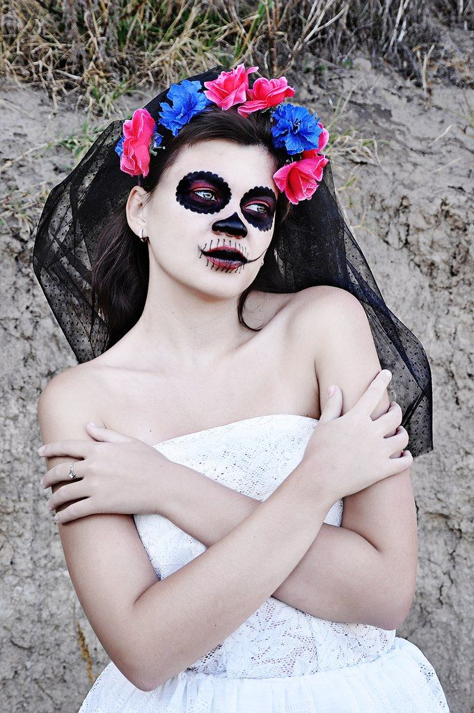 Визажист: Ульяна Прасол http://vk.com/id136010358 Модель:Валерия Морозова http://vk.com/id22775077  Фото - Рыжая Кошка https://m.vk.com/id.house #halloween  #girl #photo #fashion #costumes #flowers #inspiration #color #Dress #Model #photostudio #MUAH #makeup #hairstyle #portrait
