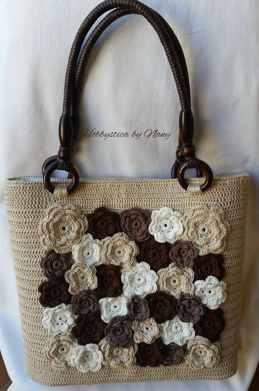 Crochet bag made by @nanychirivino9 *** Le Maddine & Maddy https://www.facebook.com/groups/531953423561246/ *** #madeinfacebook #lemaddine #handmade #handcrafted #instagram #instapic #instagood #picoftheday #instacool #cool #cute #crochet #crocheting #crochetaddict #bag #fashion #woman #flowers #brown #white #beige #hobbystica #hobbysticabynany