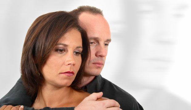 La jalousie, quand est-elle normale ou maladive? Contrairement à une petite jalousie passagère, la jalousie maladive est considérée par les sexologues comme étant un trouble comportemental et cognitif important ayant de graves conséquences sur la vie d'un couple.