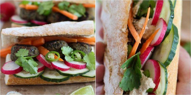 Banh mi (sándwich vietnamita) con albóndigas de berenjena
