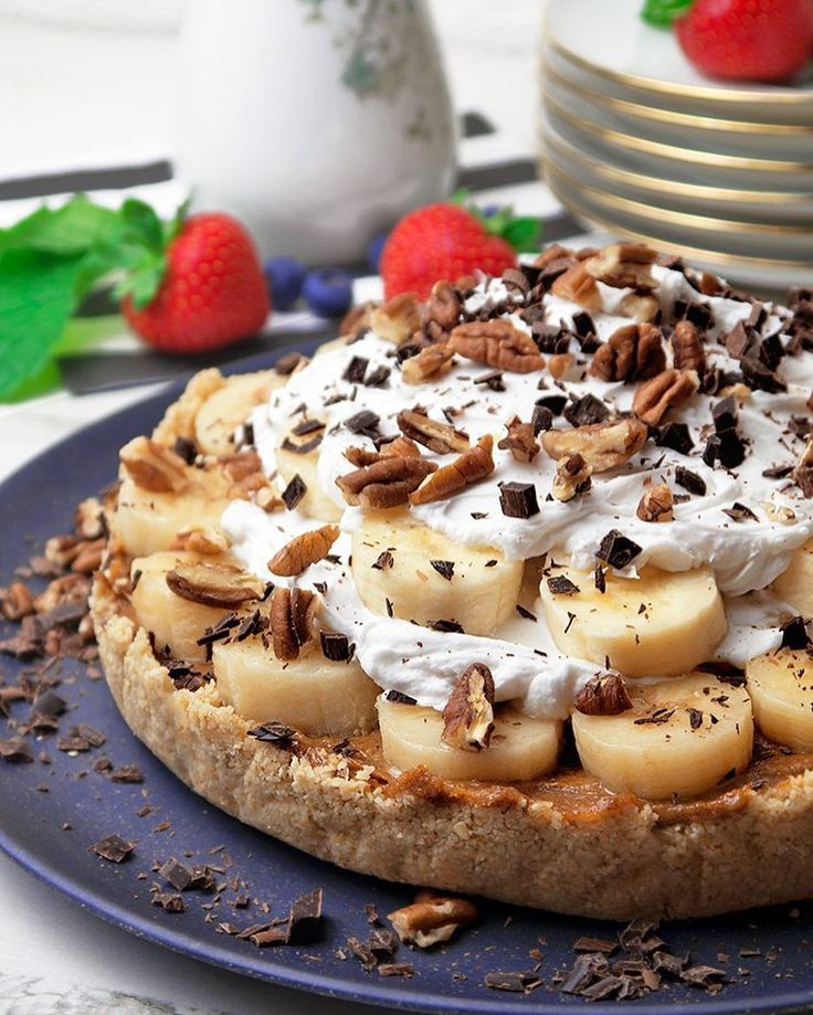 """Holy Bananas! Crumbly biscuit base rich #caramel center topped with sliced #bananas and fresh #cream? What's not to love? Get the recipe for this #Raw Banoffee #Pie by @nadiashealthykitchen & 20  more of our fav #RawDessert recipes on the Raw #Desserts Feed on our Website   http://ift.tt/1QX7kDE (Feed edited by @yesshecann_.) Remember to share your cooking baking and drink making by tagging """"#feedfeed @thefeedfeed"""" for a chance to be featured here and on our site! Explore our website"""