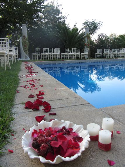 23 best images about decoracion de piscinas para bodas on for Decoracion para piscinas