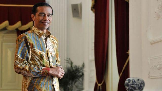 Wajib Mendengar dan Taat Pada Pemimpin Meskipun Berhati Setan  Presiden RI ke-7 Jokowi  Headlineislam.com - PAHAMI baik-baik dan baca dengan cermat. orang kalau sudah berjenggot bergamis atau bercelana cingkrang (diatas mata kaki) lalu ngomongnya pakai dalil qur'an dan hadits apalagi ngomongnya di TV atau Radio tertentu; langsung dianggap sudah pasti benar langsung dianggap oh ini ahlus sunnah sejati; sehingga kalau ada berbeda dengan yang disampaikannya ini berarti salah atau sesat…