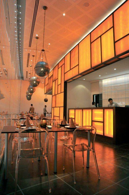 Люстры для чайного ресторана http://www.lustra-market.ru/blog/lyustry-dlya-chajnogo-restorana/  Дизайнеры подчеркнули особенность этого ресторана люстрами в виде чайных ситечек. Очень интересно получилось, правда?!