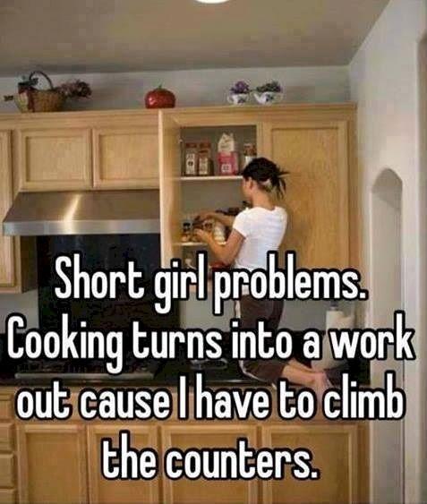 16 problèmes que les filles de petite taille connaissent au quotidien
