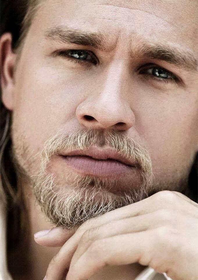 Charlie Hunnam // Jax Teller.... love that long hair!