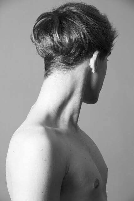 Présentation de la hairstyle moderne en coupe bol