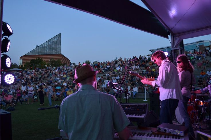 The much anticipated free concert series, Riverfront Nights , returns to Chattanooga on Saturday, July 15th. The outdoor musical series is free for all to enjoy, and is even dog friendly. Riverfront Nights focuses on local people and institutions who promote healthy lifestyles, sustainable
