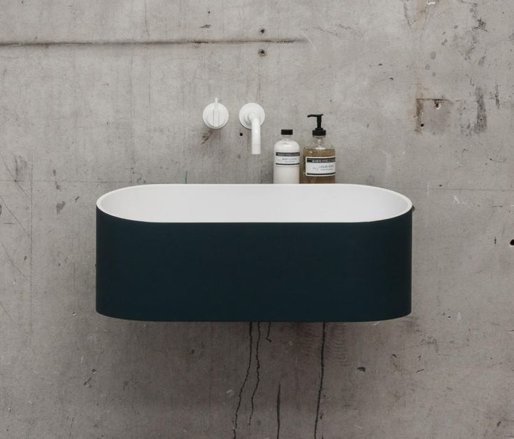 The distinctive character of the Fuse is the amalgamation of straight and curved lines. The organic-shaped basin with the subtle but sinuous integrated..