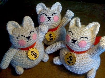 Crochet lucky cats Okay seriously I need to learn to crochet these for Lunar New Year!