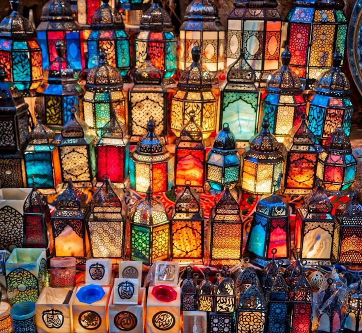 Beautiful Egyptian lamps in the bazaar today. My two girls each bought one to bring home to New Zealand. Can you guess which ones?  #Egypt #Cairo #rcmemories #ritzcarlton #lamps #egyptian #light #colour @ritzcarlton