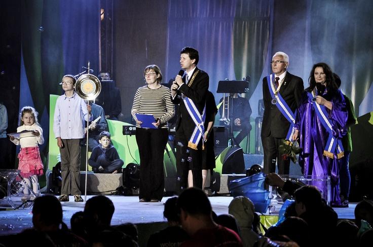 Koncert Razem #MimoWszystko z udziałem gwiazd, 2012 rok, wręczenie Orderu Uśmiechu #Kraków #koncert #muzyka #uśmiech   fot. Diamonds Factory