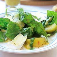 Recept - Spinaziesalade met appel en camembert - Allerhande