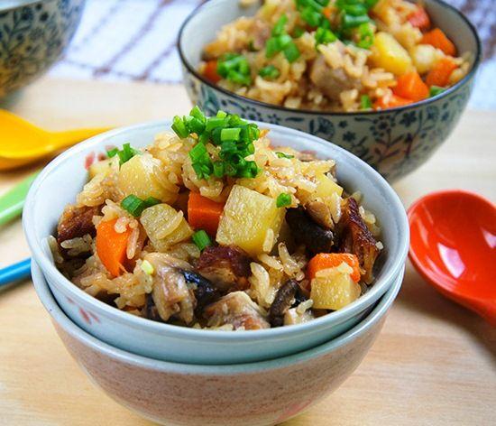 Пряная китайская свинина с рисом и овощами