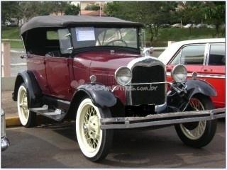 Ford 1929 para casamentos de Só Vip Transportes
