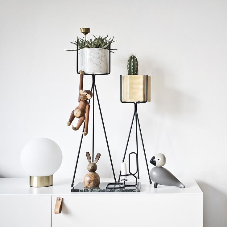 http://www.fermliving.com/webshop/shop.aspx?eComSearch=True&ID=14&eComQuery=plant+stand