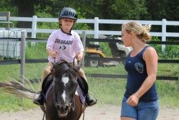 Giving Horseback Riding Lessons to Beginners
