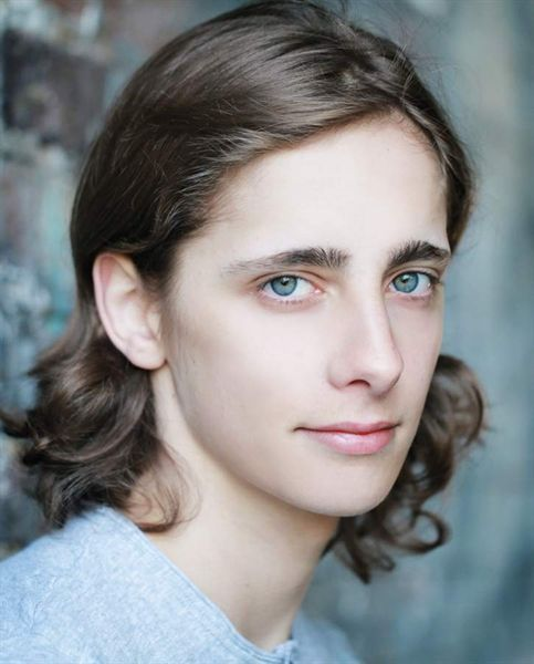 Fairly certain Alex Esmail has better hair than I do. (I prefer his short, anyway...) Those eyes though. *o*