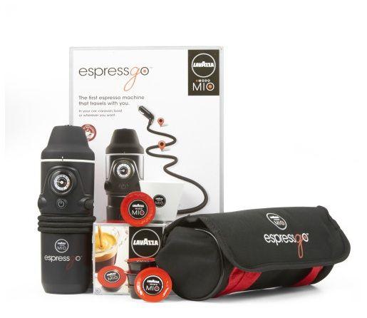 Lavazza EspressGo, la prima macchina espresso da viaggio con sistema A Modo Mio. Ideale in automobile, in camper o in barca.