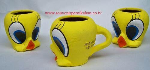 souvenir tempat pensil berbentuk tweety khas jogjakarta
