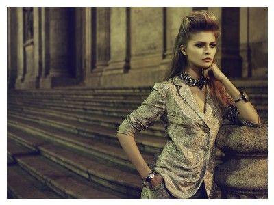 Styling: Ellen Mirck @ Angelique Hoorn Management Job: Marie Claire Photo:  Dennison Bertram