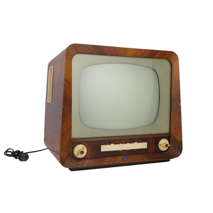 """Telewizor """"Belweder"""" , Warszawskie Zakłady Telewizyjne, 1959, kolekcja Muzeum Inżynierii Miejskiej / """"Belweder"""" TV set, Warsaw TV Set Production Plant, The Municipal Engineering Museum collection"""
