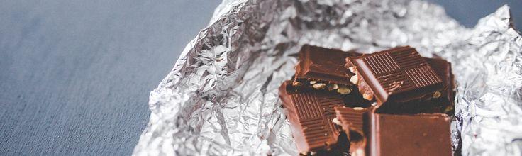 De inname van cacao-flavanolen/flavonoïden vermindert rimpels en verbetert de elasticiteit van de huid van oudere vrouwen.  Aan de Koreaanse studie namen 62 vrouwen in de leeftijd van 43 tot 86 jaar deel. De vrouwen hadden zichtbare rimpels in hun gezicht. Ze werden willekeurig in twee groepen verdeeld en kregen gedurende 24 weken dagelijks een cacaodrank met