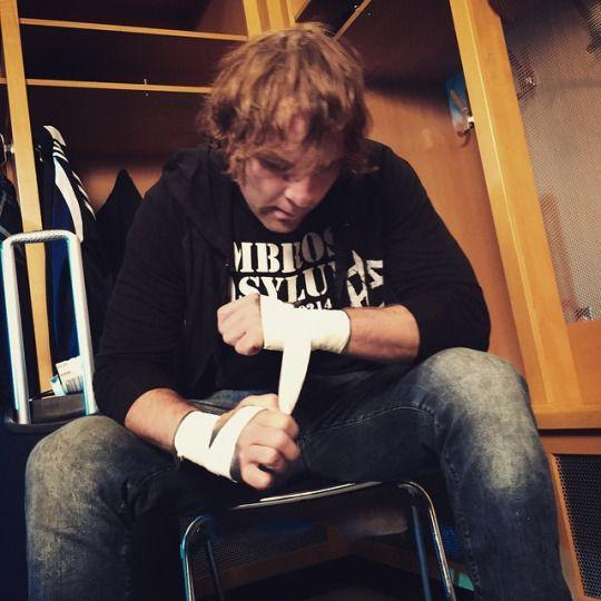 <3 Dean Ambrose <3kcxzxvcj isdhdjcchfxckcjdickvjzcjsdsdhdc jcjvjcvxvjxvdofxvjxivvjxvkw