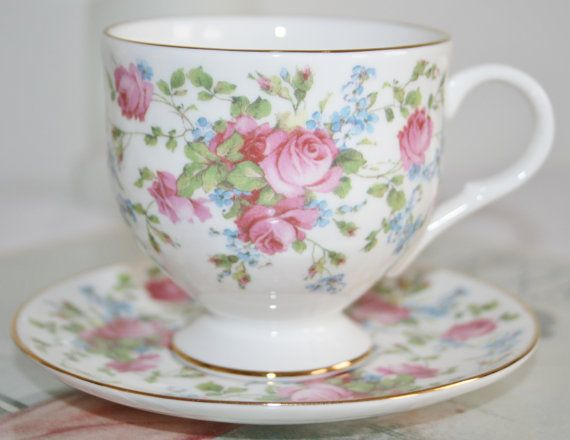 Super Cute english vintage teacup and saucer with door HomiArticles