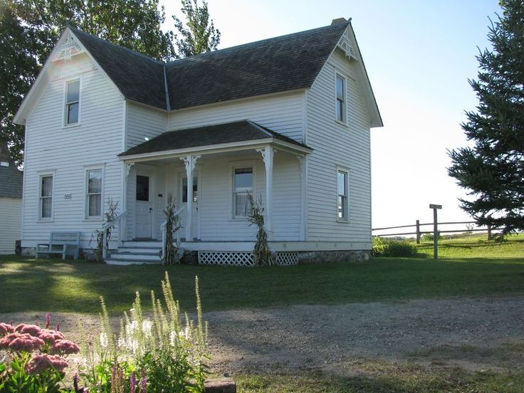 Minnesota farmhouse built in 1990 but representative of for 1900s house plans