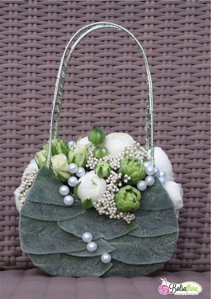 272 best Flower purse - Bolsos con flores images on ...